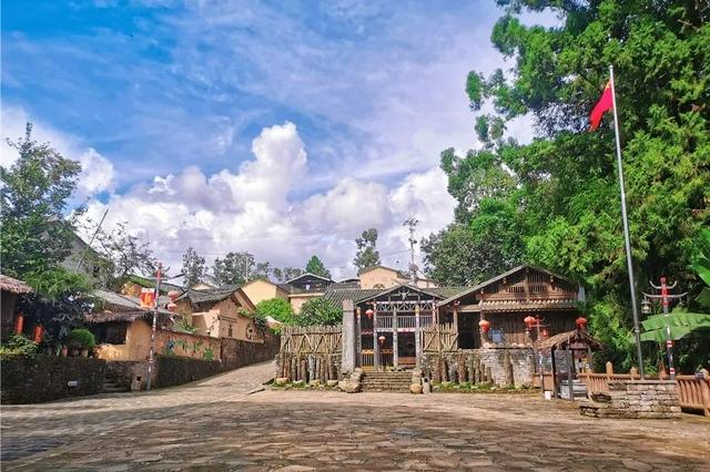 今日的腾冲司莫拉佤族村寨