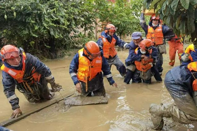 云南洱源发生山洪泥石流灾害 致1人死亡3人失联