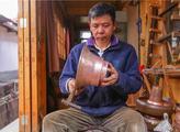 和善均:传承千古纳西制铜工艺