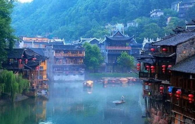 """云南建筑大观:""""文化""""住在民居里"""