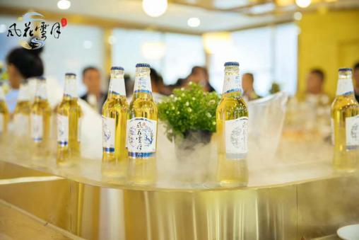假如云南是一杯酒,那就是这杯风花雪月