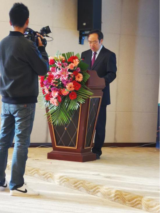 中国建设银行云南省分行副行长严俊