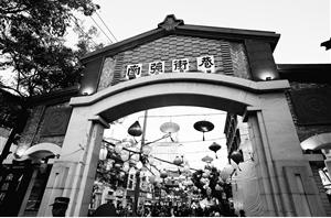 南强街将培育成夜间经济生活圈,提升居民夜间消费便利化水平。记者 杨峥 摄