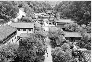 曲靖翠山影视旅游城