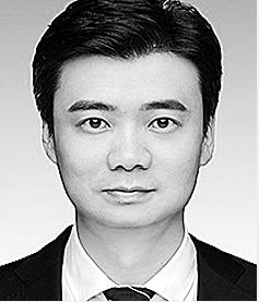张彦 1979年6月生,硕士研究生学历,2005年8月参加工作。 现任省发展和改革委员会固定资产投资处处长。拟提名为文山州人民政府副州长人选。