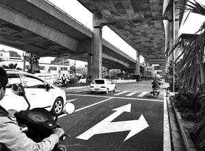 昆武高速入城段开通首日 市民直呼回家太快了