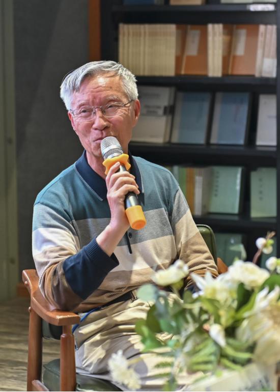"""当代作品进入小学教材最多的著名作家之一、""""课本名家""""吴然"""