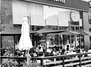 餐饮店人气回升最快