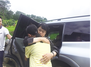 丽江华坪女子高级中学校长张桂梅当选全国优秀教师