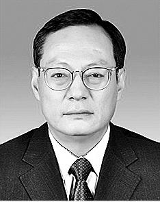 王建雄 纳西族,1968年8月生,大学学历,1991年7月参加工作。 现任省工业和信息化厅资源综合利用处处长。拟提名为楚雄州人民政府副州长人选。