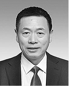 杨淞 彝族,1967年11月生,在职硕士,1989年8月参加工作。 现任中共绥江县委书记。拟提名为昭通市政协副主席候选人。
