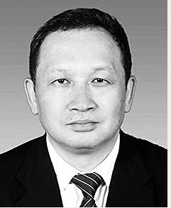 郑毅 1964年4月生,在职博士研究生学历,无党派,1985年9月参加工作。 现任省教育厅副厅长。拟任云南开放大学校长。