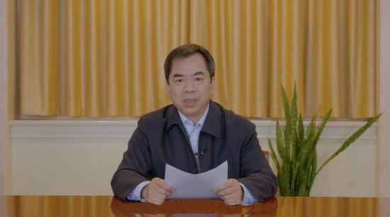 国家林业和草原局新品种保护办公室副主任龙三群致辞。