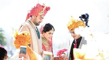 印度富商来昆成婚 近千人参与其中