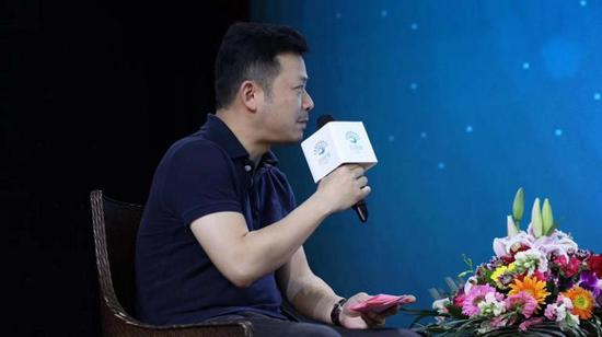 圆桌论坛主持人、茶语网战略合作总监周锴