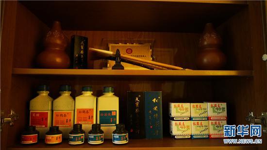 天宝斋系列产品。新华网 潘越 摄