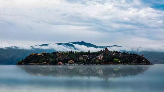 它是中国最大的深水型淡水湖泊