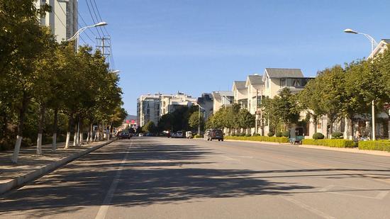 新城洁净的道路
