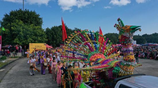 陇川傣历新年节:民族的狂欢盛宴