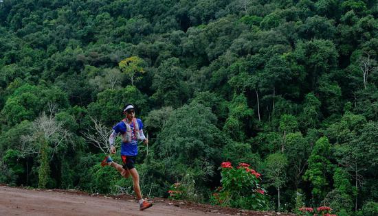 """""""海诚集团·北纬21°""""第二届勐腊热带雨林跨境越野赛跨年开"""