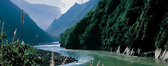 怒江福贡地段峡谷