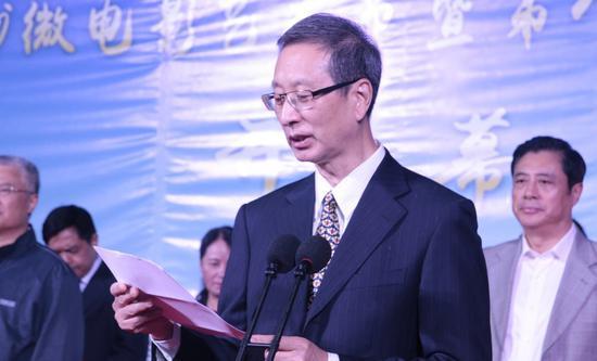 中国文联副主席、中国电视艺术家协会主席胡占凡致辞(张玲 摄)