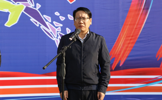(红河州人民政府副秘书长王必成宣布活动启动)