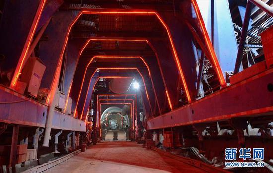 中老铁路友谊隧道施工现场 刘艾伦摄