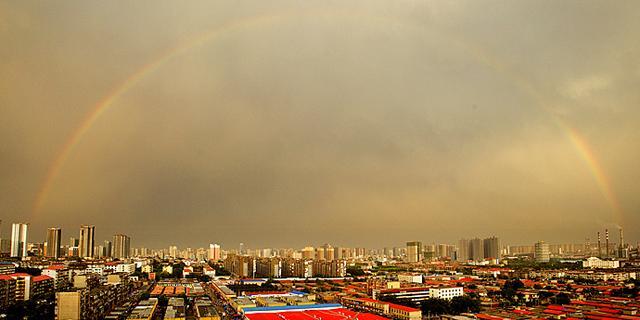 古城邯郸雷雨过后现彩虹