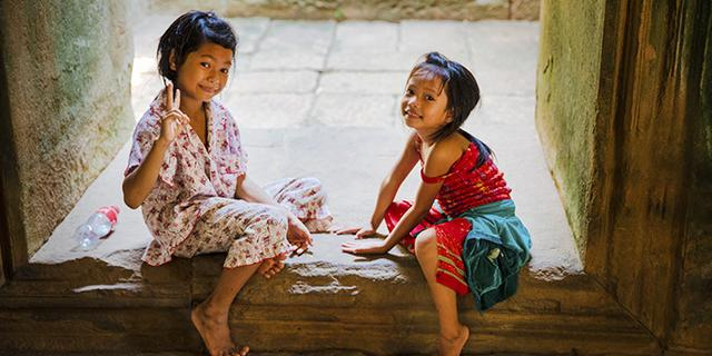 柬埔寨纯真的小女孩