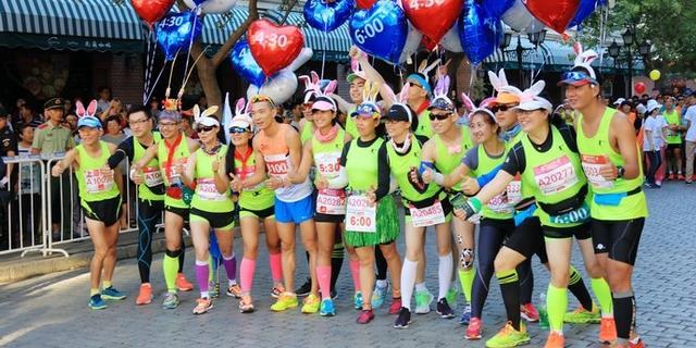 三万人跑哈尔滨马拉松