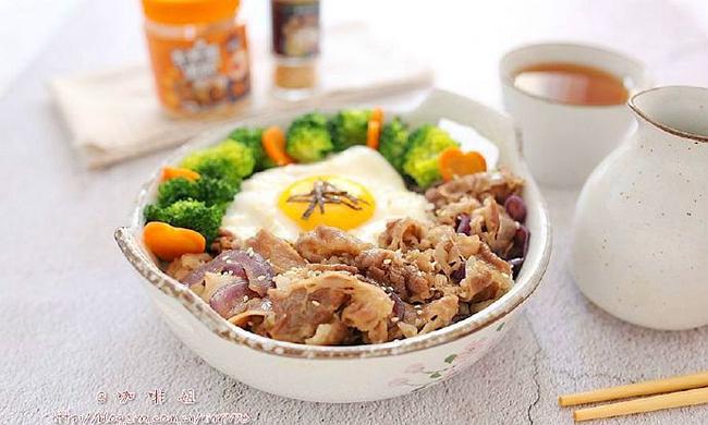 牛丼饭:用一勺料+10分钟搞定绝味简约日式料理