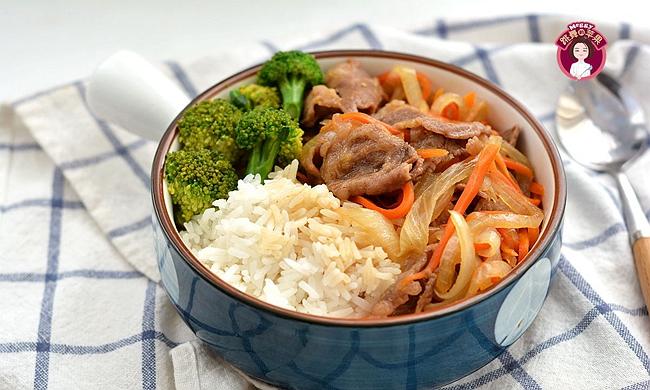 自己做的肥牛饭,比吉野家的好吃还实惠,少油有滋味