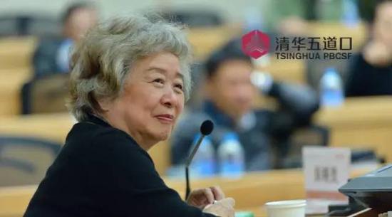 吴晓灵:推动普惠金融事业发展 减少贫富差距
