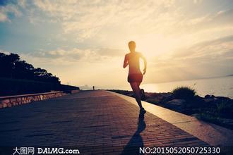 极品视频:杭州帅气健身教练教你跑步正确姿势
