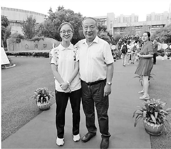 杭州中考成绩出炉最高589分 4门满分把作业当成考试