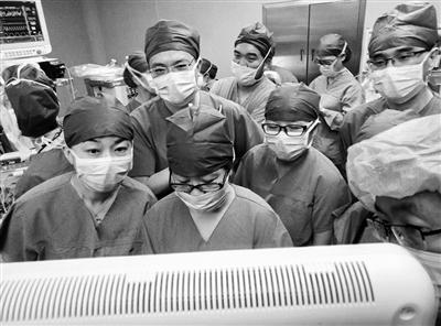 杭州二胎妈妈曾遇贼被捅 分娩时20多名医护保驾护航