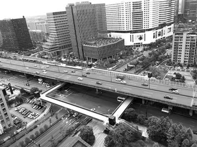杭石祥路东新东路天桥5月底使用 两大商业体连成一线
