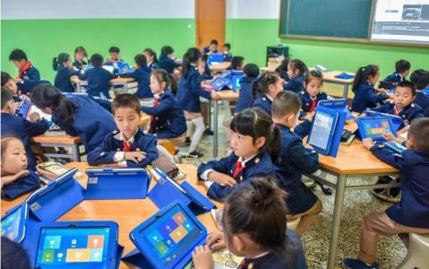杭州校园又现黑科技 学生上课时啥表情都一目了然