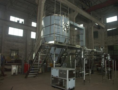 杭州22岁工人干活时受气体冲击 跌下机器后脑勺着地