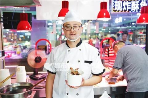 杭州IT男创业失败赔几百万 转战菜场打造网红酥鱼