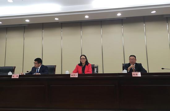 浙江省公务员局召开新闻通气会。张煜欢 摄