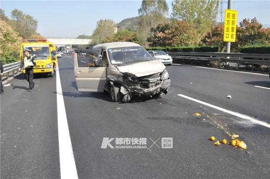 杭千高速一商务车爆胎 祖孙未系安全带被甩出几十米