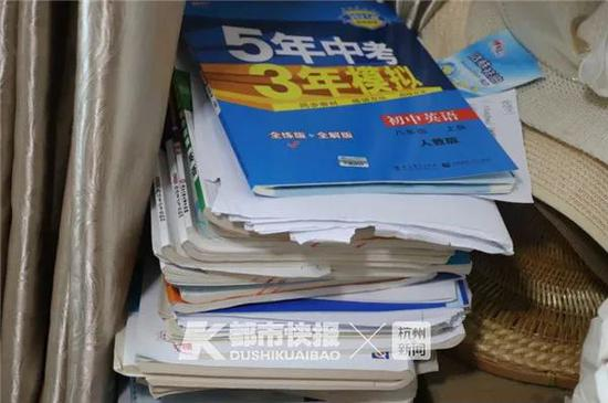 浙高三数学老师倒在办公室 得知噩耗同学们哭成一团