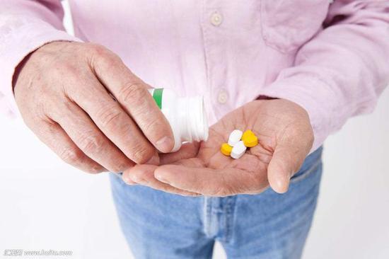宜睡前服用的药物