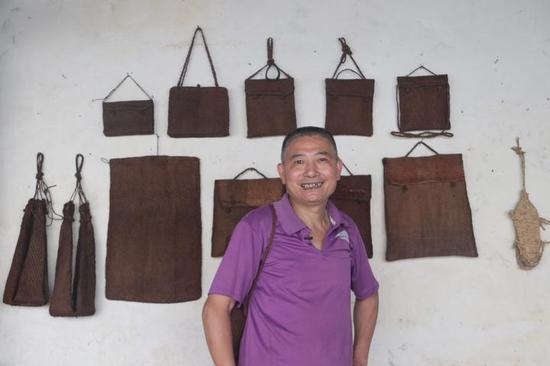丽水手艺人用棕丝做时尚包包 质感比国际大牌还要好