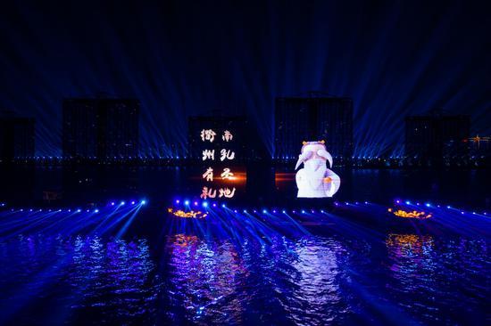 """""""科技""""迎新春 """"南孔圣地""""浙江衢州上演5D光影秀。许军摄"""