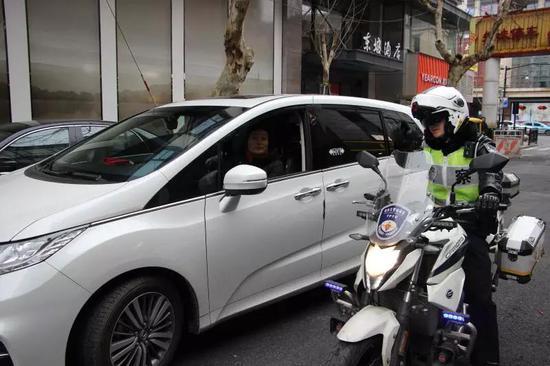 杭州绕城公路下午起迎来返程流