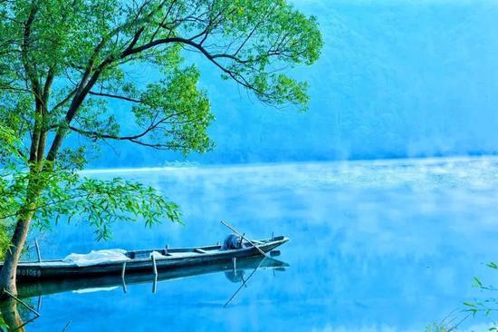 一幅完美无暇的水彩画