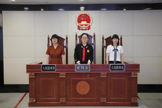 庭审现场。 互法宣